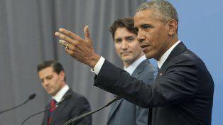 Gira. Obama junto al premier de Canadá (centro) y el presidente mexicano.
