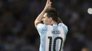 Dolor. Messi falló el penal ante Chile. Con Maxi jugó los últimos tres mundiales.
