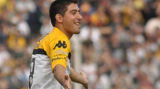 Blanco tiene 29 años y se inició en Tigre. Osella lo dirigió en Olimpo.