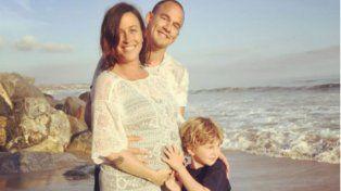 Alanis Morissette junto a su maridoMario Treadyway