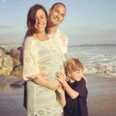 Alanis Morissette junto a su maridoMario Treadyway, y su hijo de cinco años, Ever Imre.
