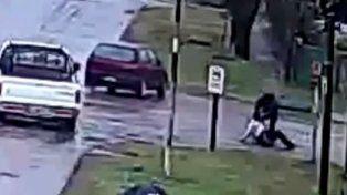 Un asaltante intentó robar una moto y terminó apaleado.