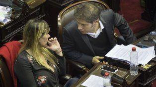 Juliana Di Tullio yAxel Kicillof en la sesión de hoy.