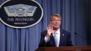 Abolición. El secretario de Defensa, Ashton Carter, al anunciar la histórica decisión contra la discriminación sexual.