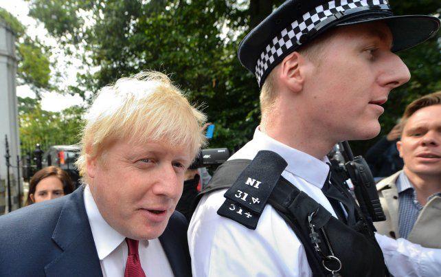 Tintes de melodrama. Johnson dijo que no es la persona adecuada para asumir la responsabilidad en Downing Street.