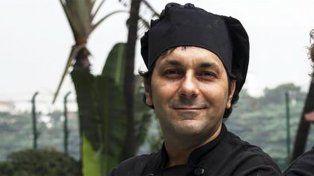 El argentino escapó por la terraza del restaurante junto a un italiano.