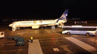 El avión de Copa Airlines arribó minutos antes de las doce de la noche.