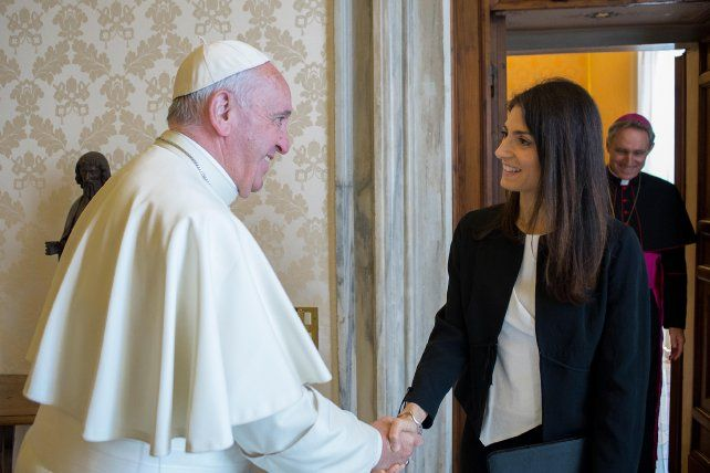 Audiencia. El Pontífice conversó durante 30 minutos con Virginia Raggi.