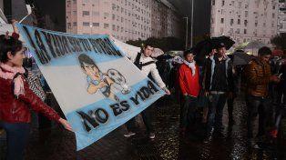 La lluvia no frenó a cientos de fanáticos