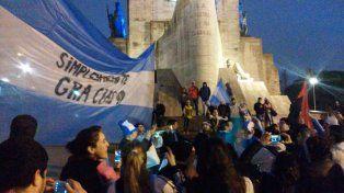 El Monumento recibió hinchas que pidieron por Leo Messi.