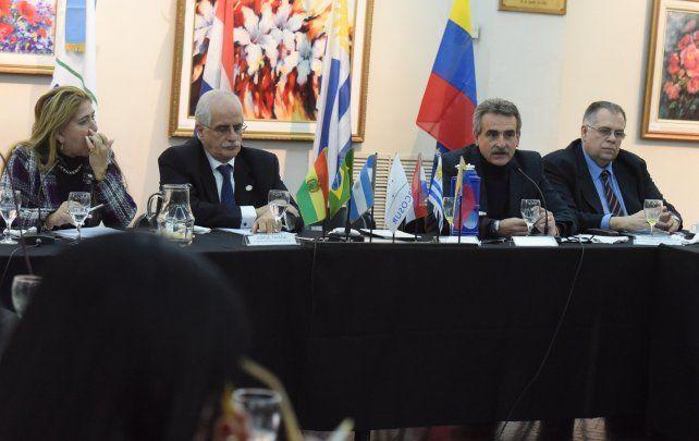 Debate. La comisión de Infraestructura del Parlasur