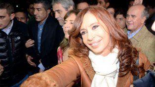 Una de las imágenes del arribo de la expresidenta a Buenos Aires.