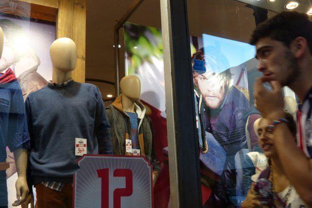 Las ventas de los comercios minoristas cayeron por sexto mes consecutivo