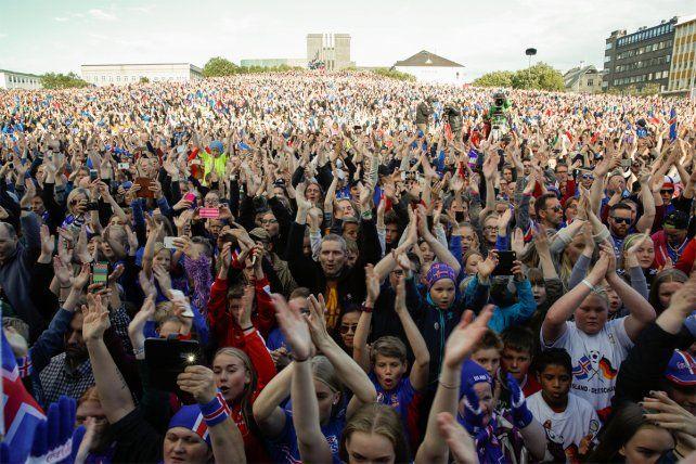 Islandia recibió a sus jugadores como héroes tras la histórica Eurocopa