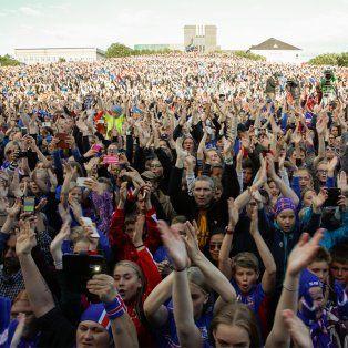islandia recibio a sus jugadores como heroes tras la historica eurocopa
