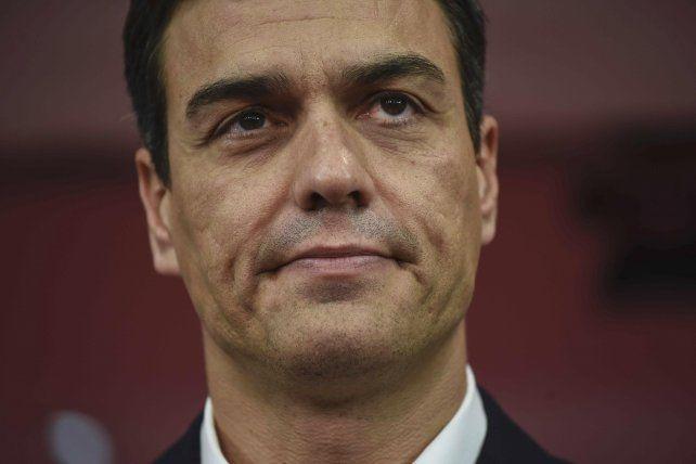 Rictus. Pedro Sánchez la noche del 26 de junio. Evitó el sorpasso de Podemos
