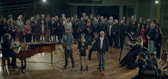 Por la Amia, cien músicos argentinos grabaron La memoria, de León Gieco