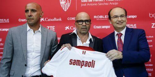 En España. Jorge Sampaoli asumió como DT del último campeón de la Liga de Europa.