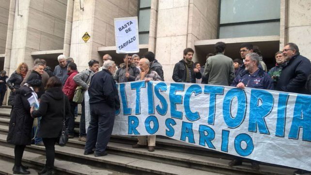 La multisectorial se movilizó hoy a Tribunales y recibió la noticia de rechazo al recurso a la medida cautelar.