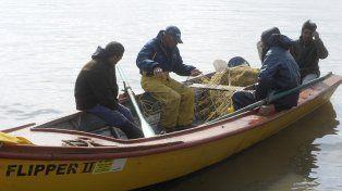 Riqueza ictícola. Los pescadores apuntan a la preservación del recurso del río Paraná. Si bien los cupos los fija la Nación