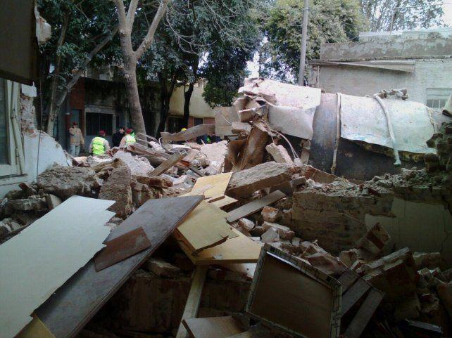 La explosión causó heridas a cinco personas y cuantiosos daños materiales.