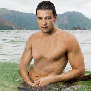 El actor estuvo de visita en la Isla de CARAS, en Angra dos Reis, Brasil.