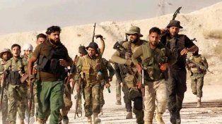 Una columna de una de varias facciones rebeldes que enfrentan al Estado Islámico y a la vez al régimen sirio.