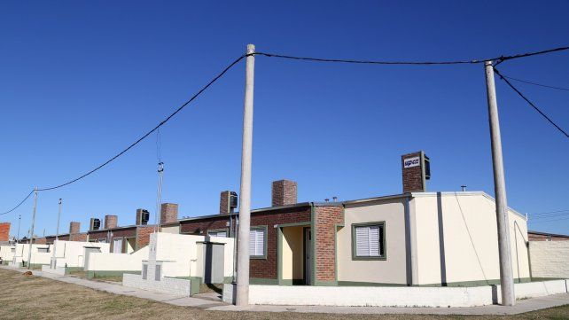 Techo propio. Las flamantes casas que inauguró el gobernador.