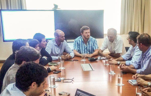 Angelini junto a otros dirigentes del PRO: