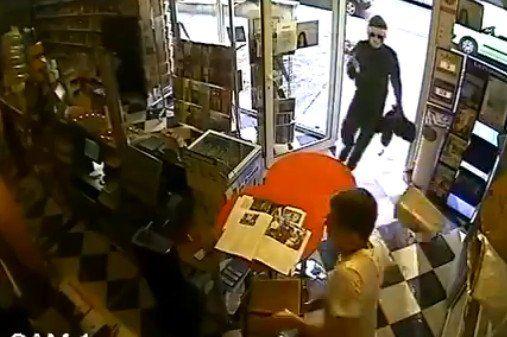 Otra vez un perro se transformó en héroe tras frustrar un robo