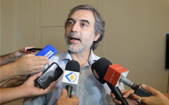 El ministro de Salud Miguel González.