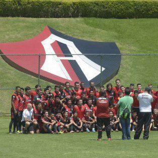En el predio de Atlas, la Lepra se prepara para el partido de esta noche que despierta entusiasmo en Guadalajara.