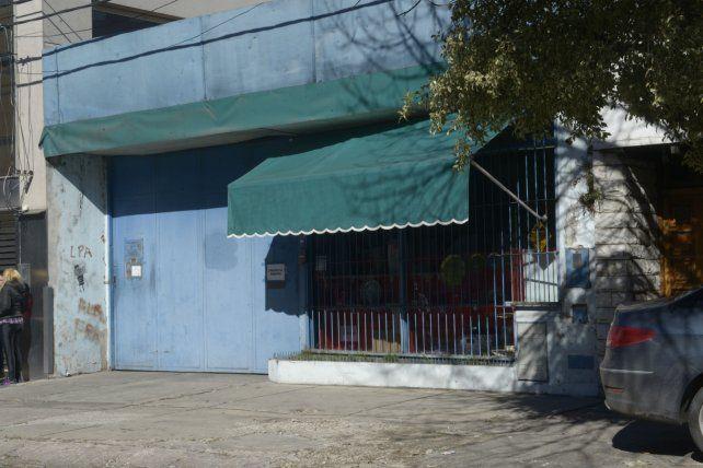 Catamarca 2941. El 28 de agosto de 2012 un incendio destruyó uno de los galpones de la empresa dedicada a la fabricación de envases de polietileno.