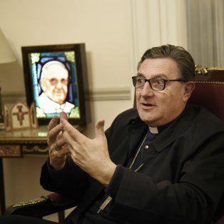 Con la imagen del pontífice. El referente de la Iglesia Católica en Rosario dijo que Francisco tiene derecho de recibir a quien quiera.