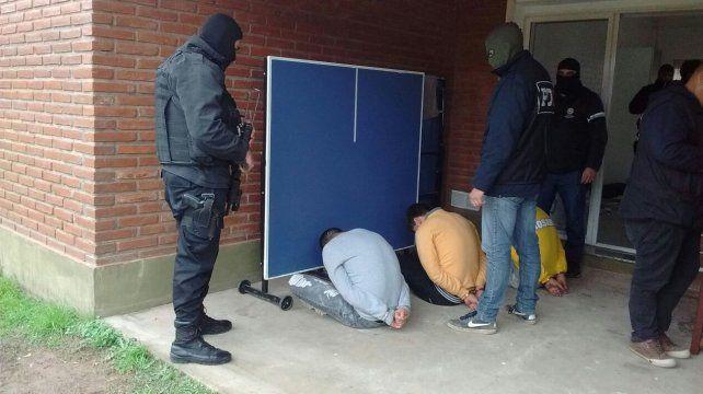Detienen a miembros de Los Cerrajeros, banda que cometió al menos 44 asaltos en Rosario