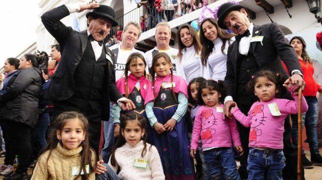 Mil pares de mellizos se reunieron a celebrar en su tradicional fiesta en la localidad de Famaillá