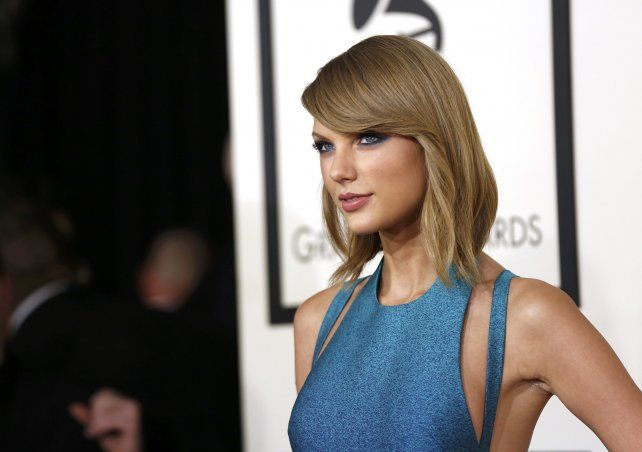 Taylor Swift encabeza la lista anual de Forbes de los 100 famosos mejor pagados con 170 millones.