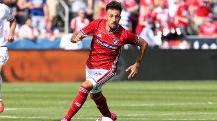 Un golazo de chilena de Maxi Urruti para la victoria de Dallas que se consolida en la cima de la MLS