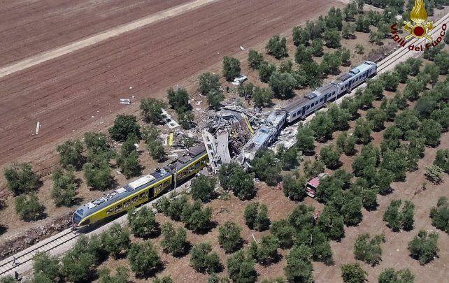 tImagen aérea del violento choque de trenes en el sur de Italia.