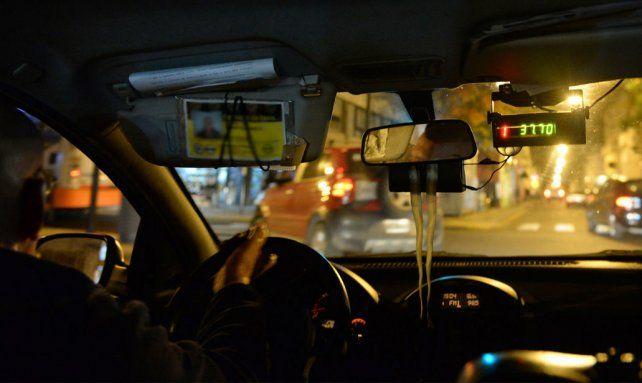 El muncipio suspendió la licencia del taxi hasta tanto la Justicia local emita una resolución.