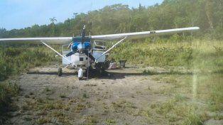 Se supone que la máquina realizó un aterrizaje de emergencia en el cual dañó el tren de aterrizaje.