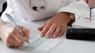 Polémica. Ahora las licencias médicas deben ajustarse a una tabla oficial.