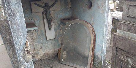 Malas condiciones. El cementerio La Piedad evidencia un preocupante estado de deterioro.