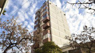 El accidente ocurrió en un edificio de Juan Manuel de Rosas y Montevideo. La chica era oriunda de Villa Cañás