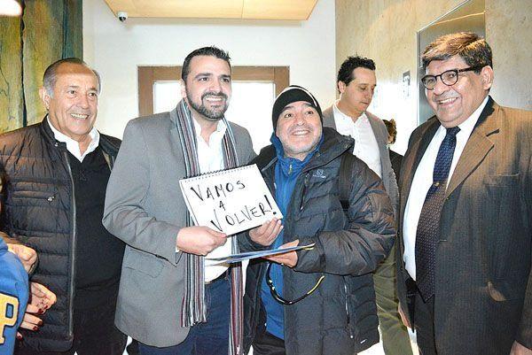Maradona y el intendente de Ushuaia