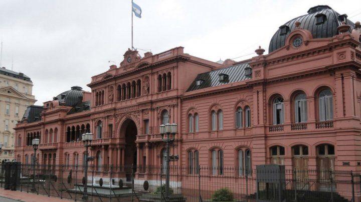 La Casa de gobierno nacional recibió un llamado intimidatorio mientras Macri.