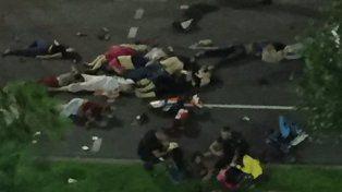 Atentado en Niza: un camión atropelló a una multitud y dejó al menos 80 muertos