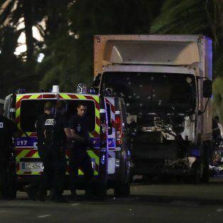 la policia abatio al conductor del camion que provoco el atentado en francia