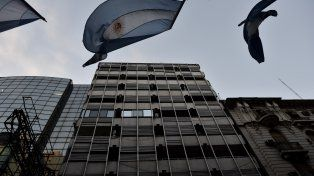 Escenario. El edificio de Corrientes al 700 donde ocurrió el asalto.
