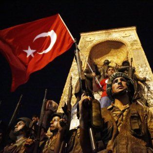 decenas de muertos y cientos de heridos en el frustrado golpe de estado en turquia